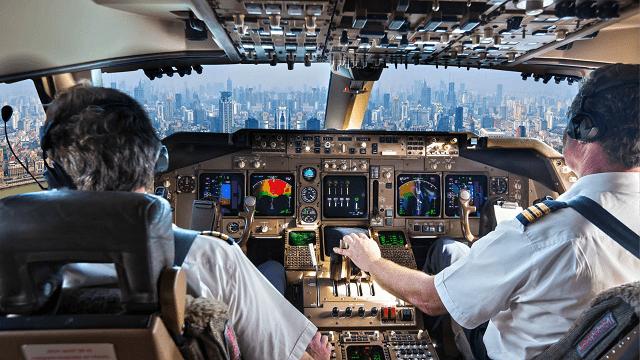 pilotos de un avión